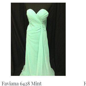 NWOT BEAUTIFUL FAVIANA MINT GREEN DRESS